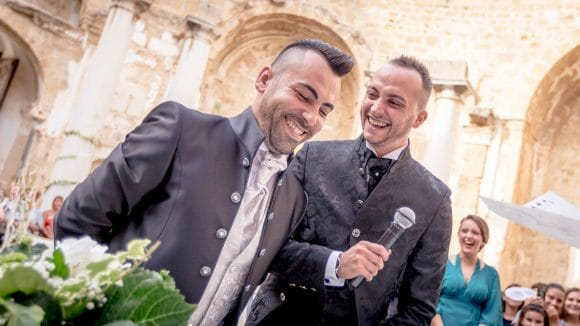Primo Matrimonio Gay Toscana : Celebrato a mazara il primo matrimonio gay