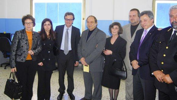 nella foto il sindaco Errante, l'assessore francesca Catania ed i familiari della studentessa scomparsa