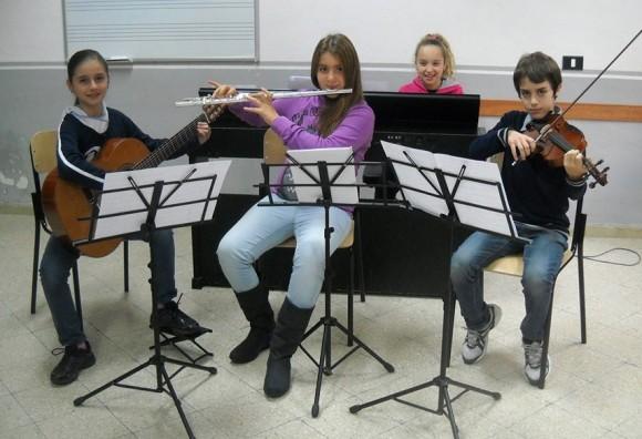 Nella foto, da sx Federica Di Stefano (chitarra), Alessandra Cudia (flauto), Danilo Vallone (violino) Valentina Pisciotta (pianoforte)