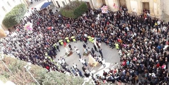 L'aurora dello scorso anno 2013 che si è svolta a Castelvetrano in Piazza D'Aragona e Tagliavia (foto di Vincenzo M. Corseri)