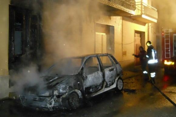 auto fiamme campobello