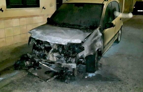 auto incendio vigile urbano