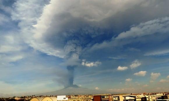 etna eruzione dicembre 2015