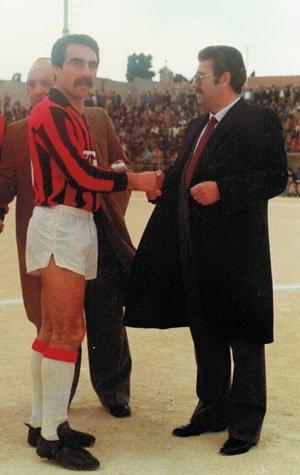Luigi Aiello con Enzo Bonanno. Alle spalle Vincenzo Mangiaracina