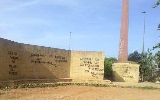 murales stele capaci