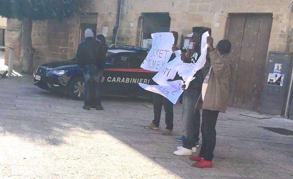 protesta-migranti-castelvetrano-2