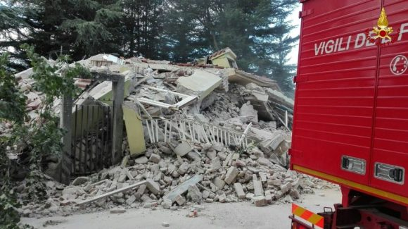 terremoto rieti amatrice foto