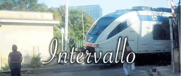 treno sbarre alzate